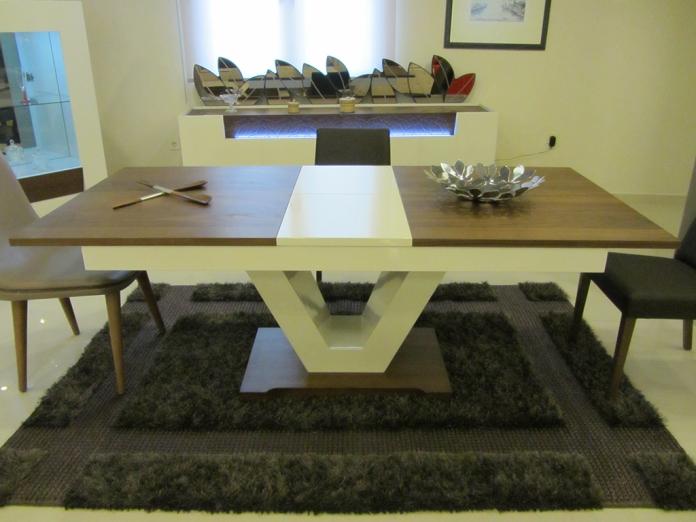 yukselis-ev-mobilya-nee-ahşap-yemek-odasi